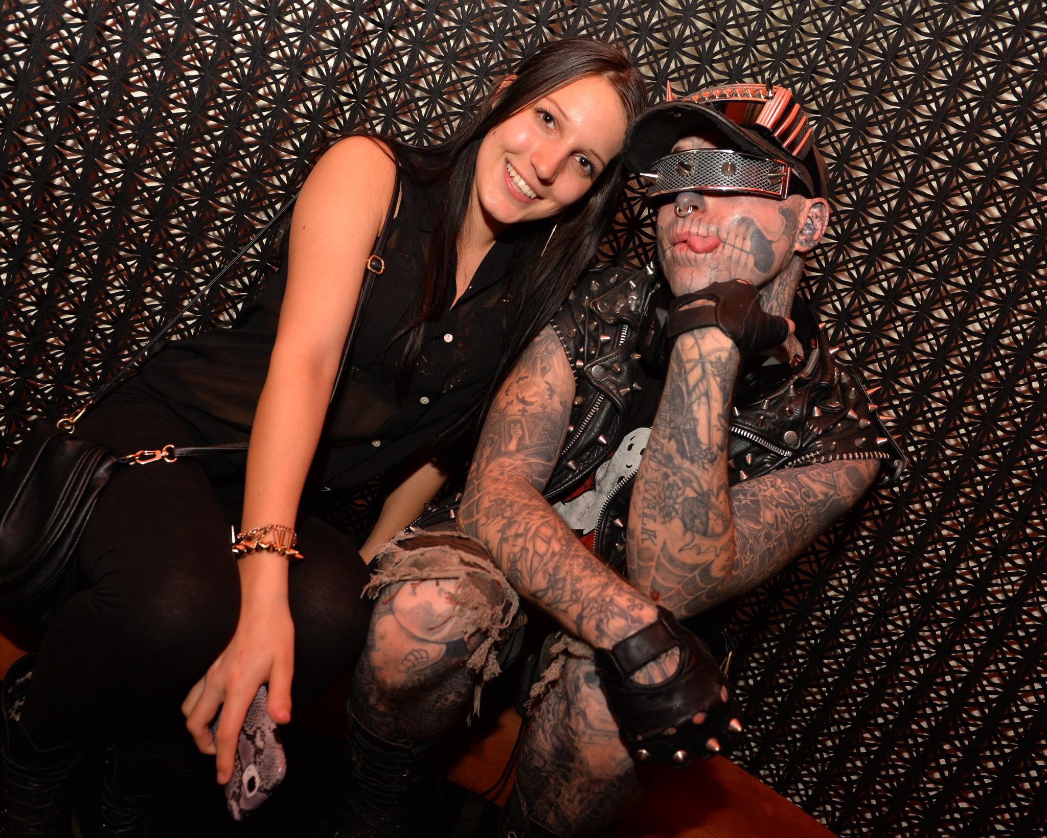 Lisa Tuppinger mit Zombie Boy - Zombie Boy meets Klagenfurt