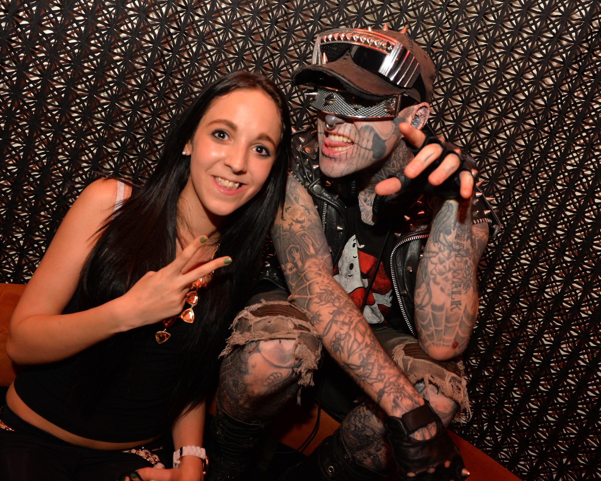 Fan mit Zombieboy - Zombie Boy meets Klagenfurt