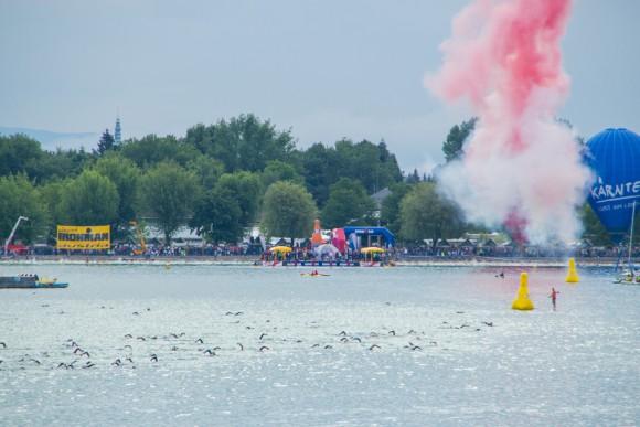 Der Start beim Ironman in Klagenfurt am Wörthersee. Foto: pixelpoint/Handler