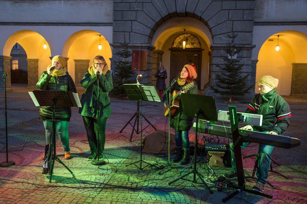Christkindlmarkt Domplatz Klagenfurt ©pixelpoint multimedia/ Handler