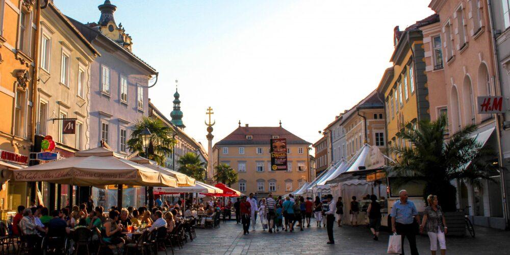 Dreitägiger Basar und Kinderflohmarkt in der Fußgängerzone