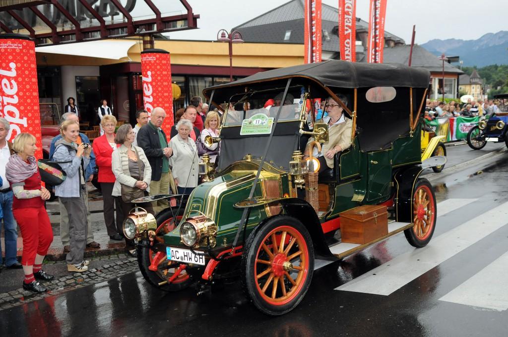 Diese wertvollen Fahrzeuge rittern um den begehrten Ehrenpreis der Melanie Gräfin Khevenhüller-Metsch Erdödy. (Fotos: Hermann Sobe / kk)