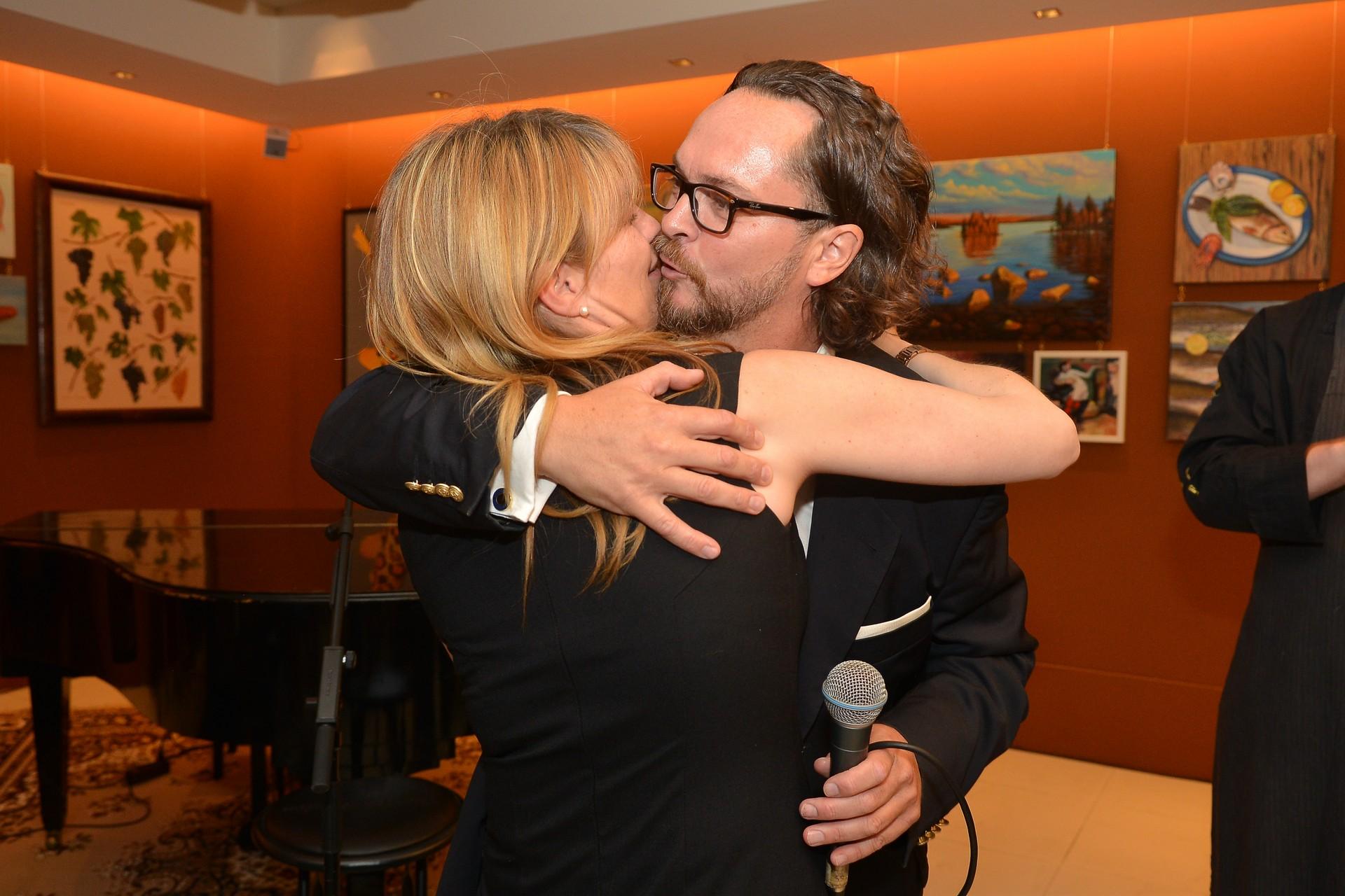 Bei der Eröffnung machte Barnie Strasser seiner Alexandra einen Heiratsantrag. Foto: Nicolas Zandgerle