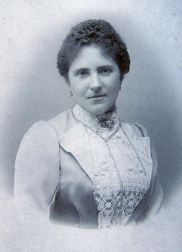 Tochter Cajetana Hasenbichler im Jahr 1904