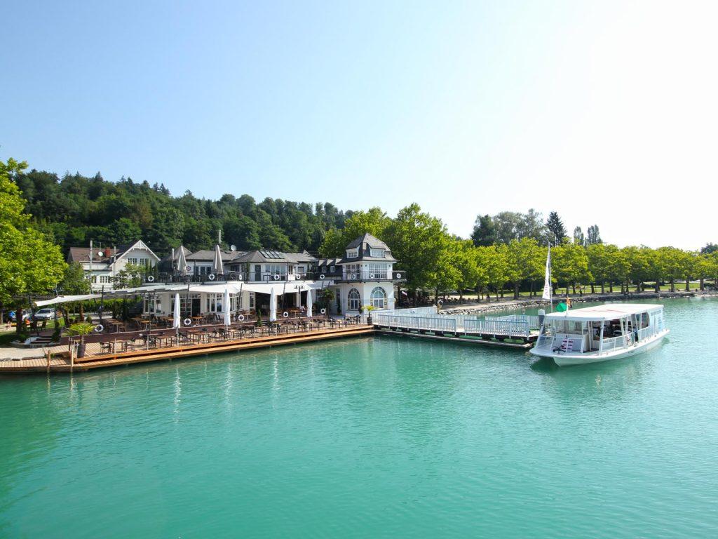 Der Zieleinlauf befindet sich direkt auf der Höhe des Restaurants Villa Lido in der Sonnenbucht von Klagenfurt. Foto: pixelpoint