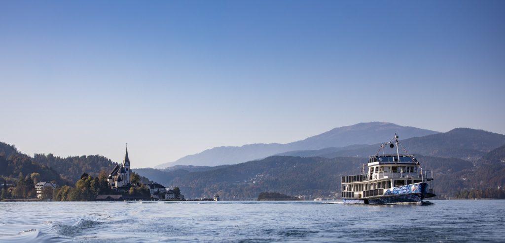 Die Wörthersee Schiffahrt unterwegs am See. Foto: WSG