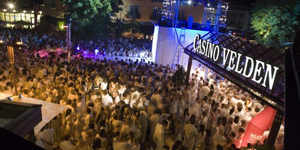 Gewinnspiel: Glamour in White im Casino Velden