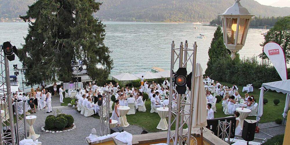 Party-Society feiert bei der Glamour in White