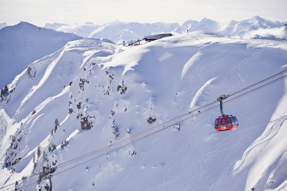Ab in die Gondel. Fotos: Bergbahn Kitzbühel. KK