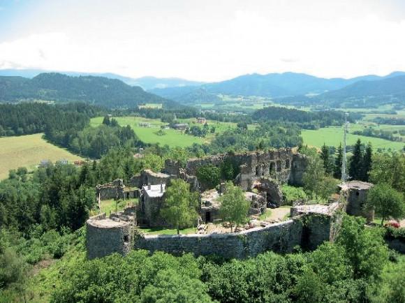 Die Burg Taggenbrunn in Österreich.