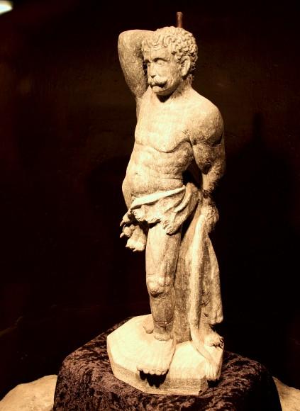 Miniatur von Herkules mit dem Löwenfell im Bergbaumuseum.