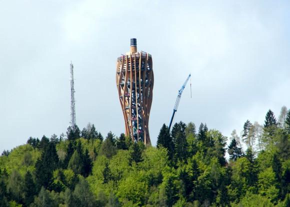 Großbaustelle Turm am Pyramidenkogel in Kärnten. Foto: pixelpoint