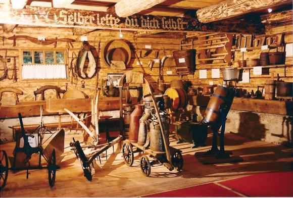 Berg- und AlmmuseumPöllinger Hütte