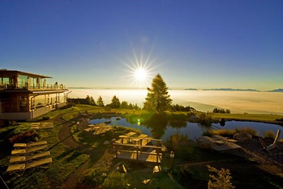 """Sonnenaufgänge gehören zu den allerschönsten Naturschauspielen - sie sind """"inklusive"""" für Gäste des Mountain Resort Feuerberg"""