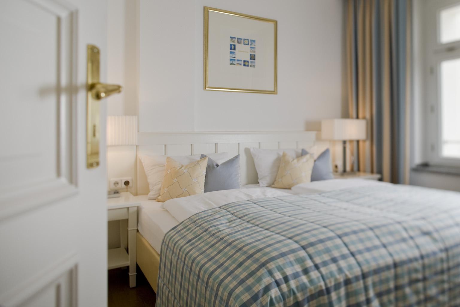Strandhotel kurhaus juist lockt mit thalasso woche erlebnis und abenteuerurlaub for Hotel juist schwimmbad