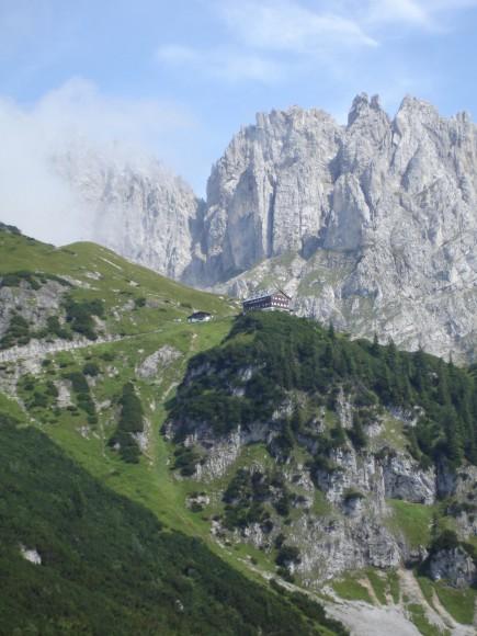 Um die Adlerblicke auch für jene attraktiv zu machen, die lieber mit Tageswanderungen den Adlerweg entdecken möchten, wurden 16 Tagesrouten ausgearbeitet. (Foto: Tirol Werbung)