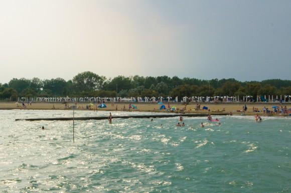 Der Strand vor dem Hotel Maregolf. Foto: pixel.at