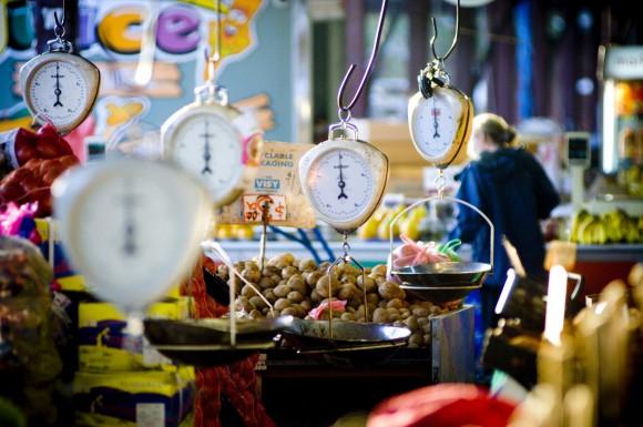 Für die frischen Barbie-Zutaten folgt man einfach den Rufen der Marktschreier auf einen der vielen Märkte von Melbourne, wie dem Queen Victoria Market oder dem South Melbourne Market.