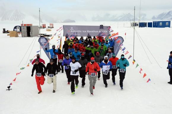 Der Antarctic Ice Marathon ist der südlichste Marathon der Welt. Tauchhammer ist diesen Marathon 2013 als erster Österreicher gelaufen.