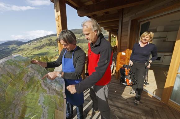"""Zahlreiche """"Roter Hahn""""-Urlaubsbauernhöfe und -Schankbetriebe in Südtirol liegen nur einen Katzensprung vom Keschtnweg entfernt. Foto: """"Roter Hahn""""/Frieder Blickle KK"""