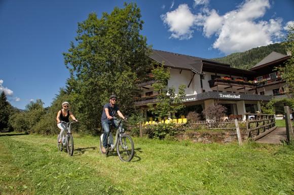 E -Biken rund um den Trattlerhof in Bad Kleinkirchheim.