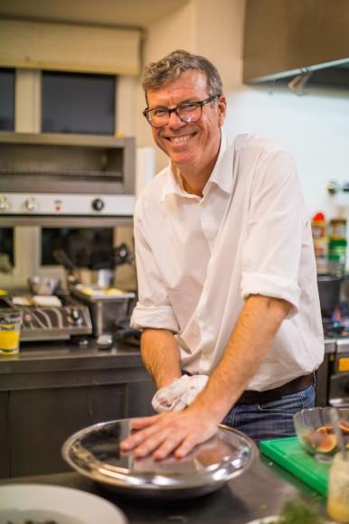 Wirt Tom Soete kocht nicht nur besonders gut, er verbreitet auch gute Laune. Foto: pixelpoint