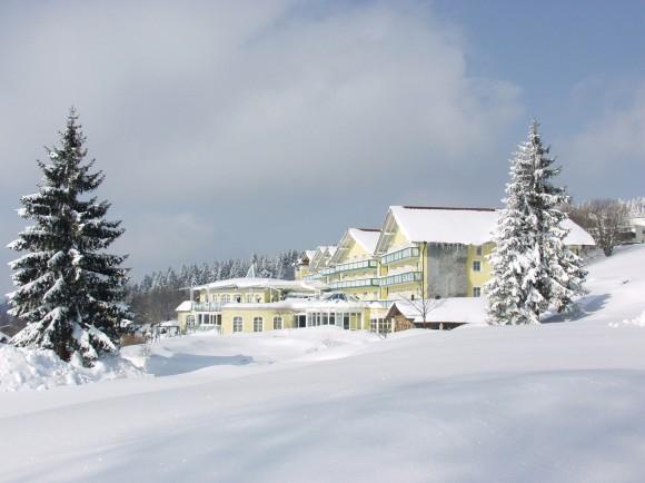Angerhof Sport- & Wellnesshotel im Winter Foto: Angerhof Sport- & Wellnesshotel  Angerhof Sport- & Wellnesshotel/ Bayern