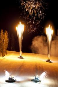 """Den harmonischen Ausklang der """"Fire on Ice Show"""" bildet ein atemberaubendes Feuerwerk. Foto: Eli Krismer"""