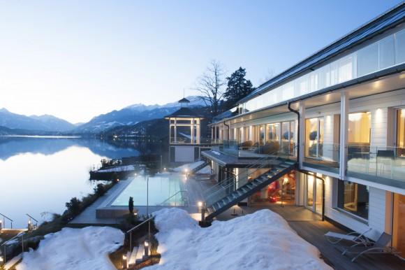 Vom Schnee ins Wasser im 1. Kärnten Badehaus. Foto: MTG Archiv