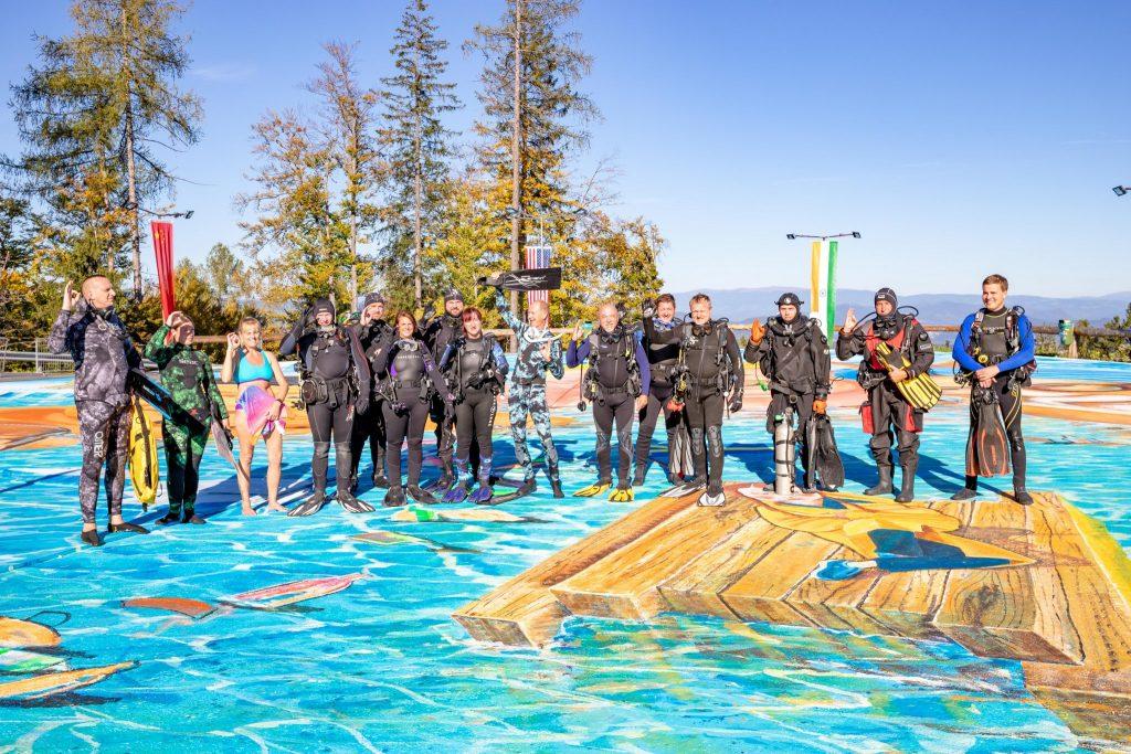 Das Team vom Tauchshop Klagenfurt beim 3D-Flashmop am Pyramidenkogel. Foto: DerHandler