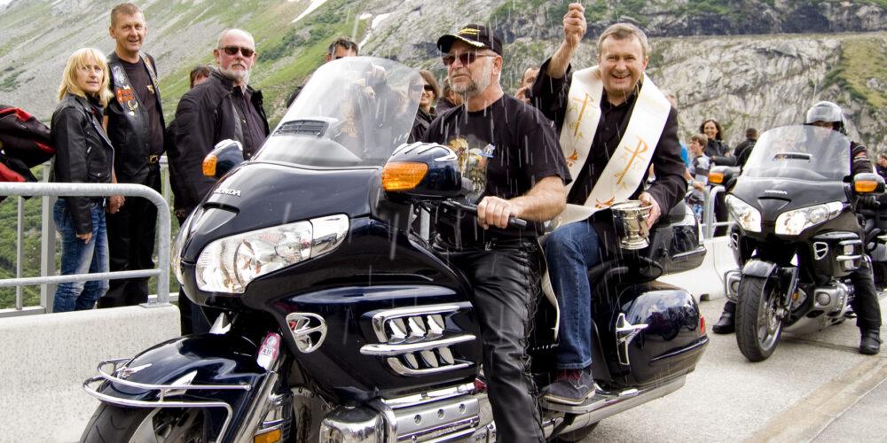 Motorradsegnung auf der Kölnbreinsperre