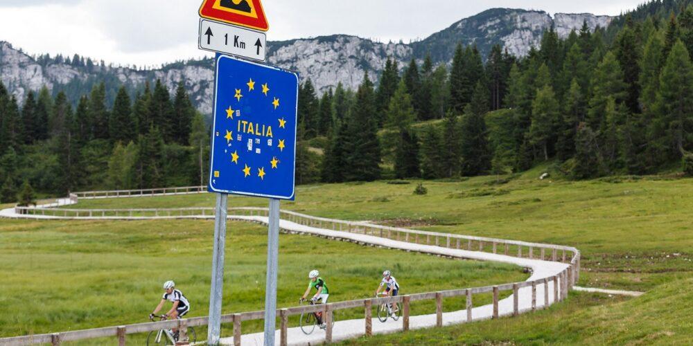 Grenzüberschreitendes Vergnügen für Biker