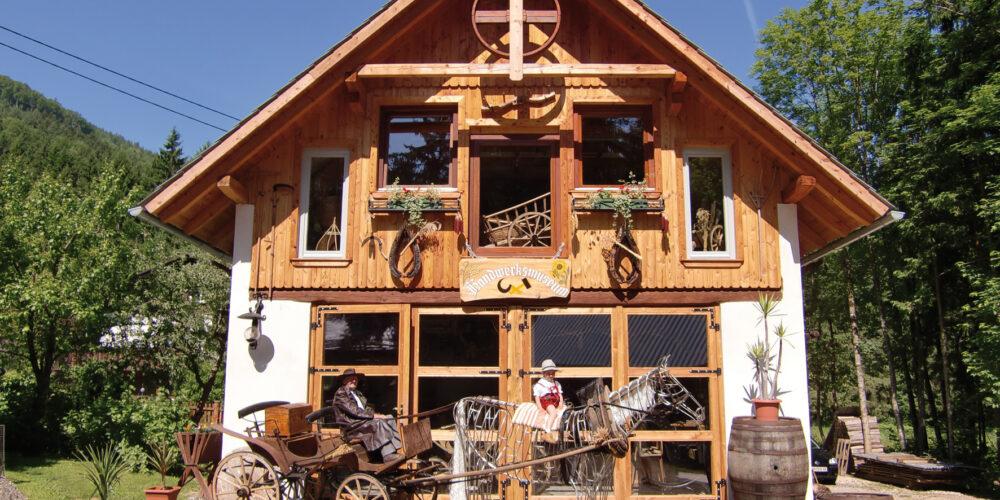 Erlebnisausflug zum Wildensteiner Handwerksmuseum beim Wasserfall
