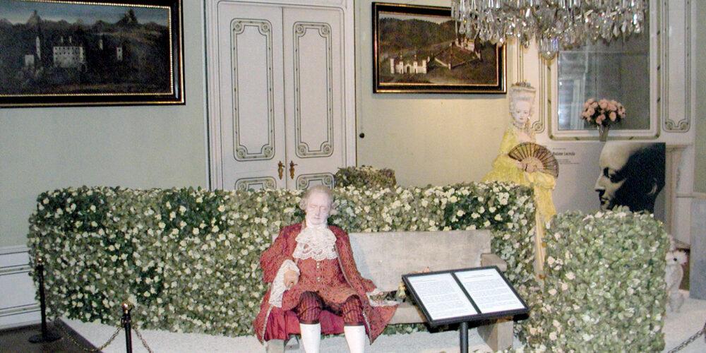 Schloss Rosegg mit Wachsfigurenkabinett