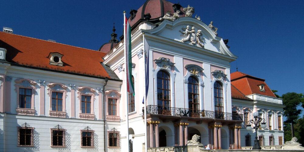Nostalgie-Erlebnis: Kaiserliche Zeitreise nach Schloss Gödöllö
