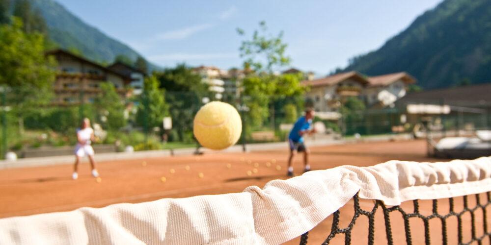 Erlebnis mit dem gelben Filzball in Südtirol