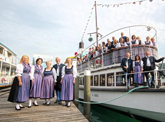 """Der Kammerchor Klagenfurt auf """"hoher See""""."""
