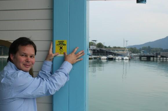 Georg Holzer kann sich freuen: Zum bisherigen Partner, den Klagenfurter Stadtwerke (fünfzig Bushaltestellen), kommen 17 SPAR-Märkte in und um Klagenfurt sowie fünf Wörtherseeschiffe und drei Anlegestellen hinzu.