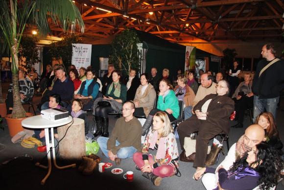 """: Das Rahmenprogramm der """"gesund & glücklich""""-Messe mit rund 60 Vorträgen, Vorführungen, Präsentationen, Buchlesungen und Konzerten wird wieder auf ein großes Interesse der Besucher stoßen."""