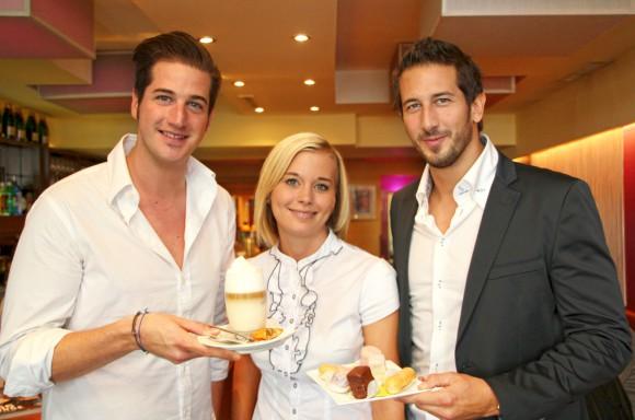 Gleich hundert Kaffee wurden vom Team des Cafe am Platz in Klagenfurt den Gästen gratis serviert.