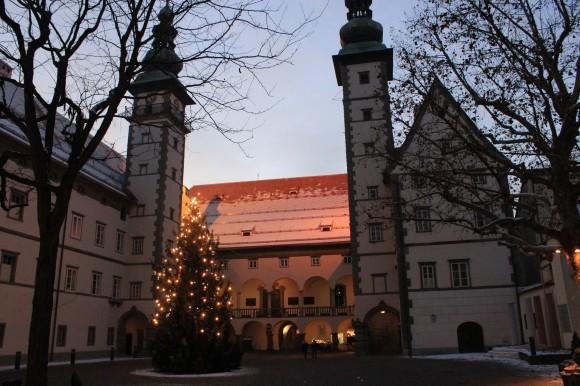 Hektik und Stress, diese Wörter haben beim Stillen Advent im Klagenfurter Landhaushof keinerlei Bedeutung.