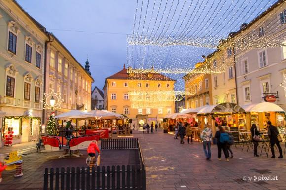Die Weihnachtsbeleuchtung in Klagenfurt ist an. Foto: pixelpoint multimedia