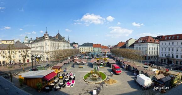 Ostermarkt auf dem Neuen Platz. Foto: pixel.at