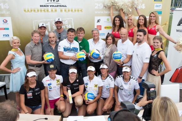 """""""Es ist das beste Turnier der Welt und das ist unbestritten."""" Peter Kleinmann, Präsident des Österreichischen Volleyballverbands, geriet bei der Pressekonferenz zum Auftakt des A1 Beach Volleyball Grand Slams ins Schwärmen. Foto: Tine Steinthaler"""