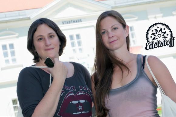 Die beiden Gründerinnen Sabine Hofstätter und Simone Aichholzer von Edelstoff sind aus Klagenfurt und freuen sich auf ihr Heimspiel. Foto: Gregor Schweinester