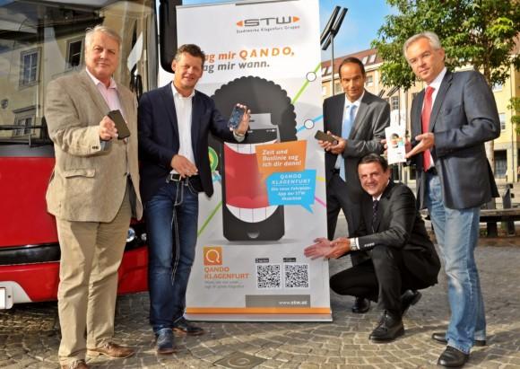 Die App wurde standesgemäß vor dem Stadtwerke-Kundencenter auf dem Heiligengeistplatz präsentiert. Foto: Stadtwerke