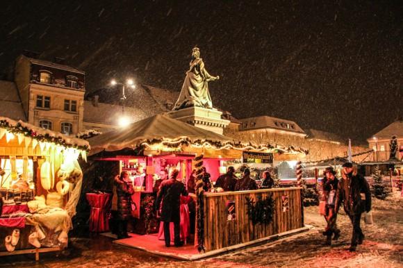 Punsch und Glühwein-Zeit am Neuen Platz. Foto: pixelpoint