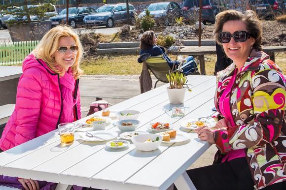 Frühstück im Lustgarten. Foto: pixelpoint
