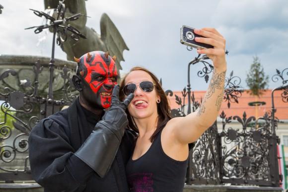 Selfie Time am Neuen Platz. Foto: pixelpoint