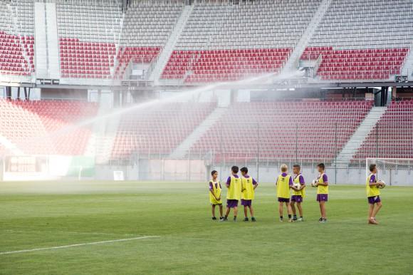 Vorbereitungen auf das Spiel im Klagenfurter Wörthersee Stadion. Foto: pixelpoint